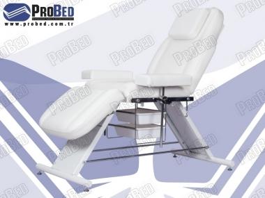 Спину и ноги подвижные части сиденья (в ванной Пластиковые)