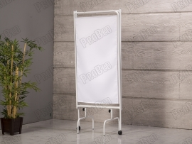 3-Blatt-Vor-Den-Vorhang -